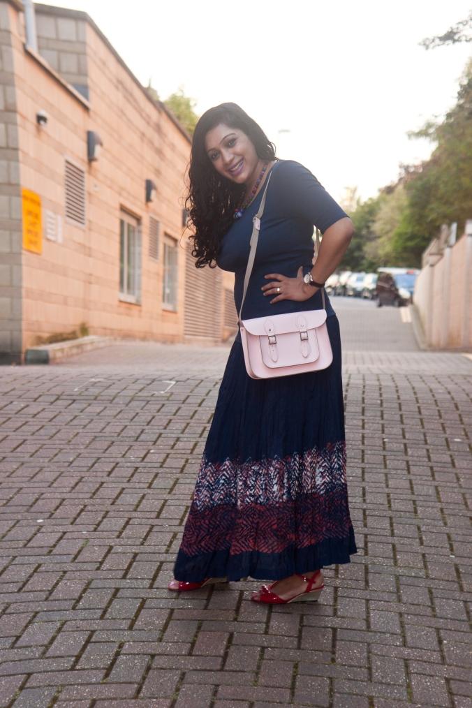 Postpartum fashion maxi skirt style