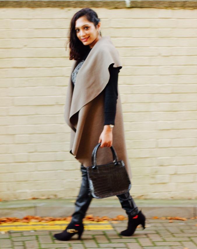 how to style sleeveless jacket